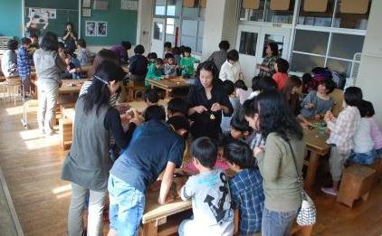 西山台小学校ほうきづくり⑤
